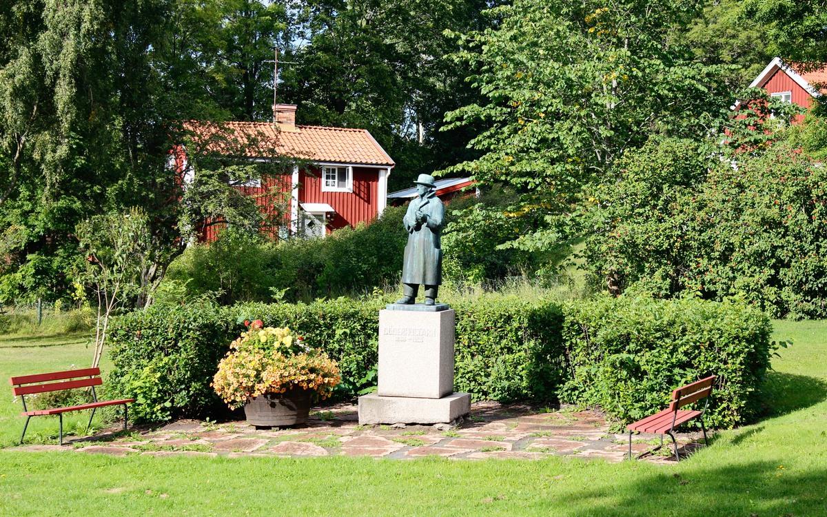Statyn föreställande Döderhultarn.