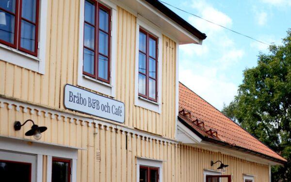 Utsidan av Bråbo B&B och Café