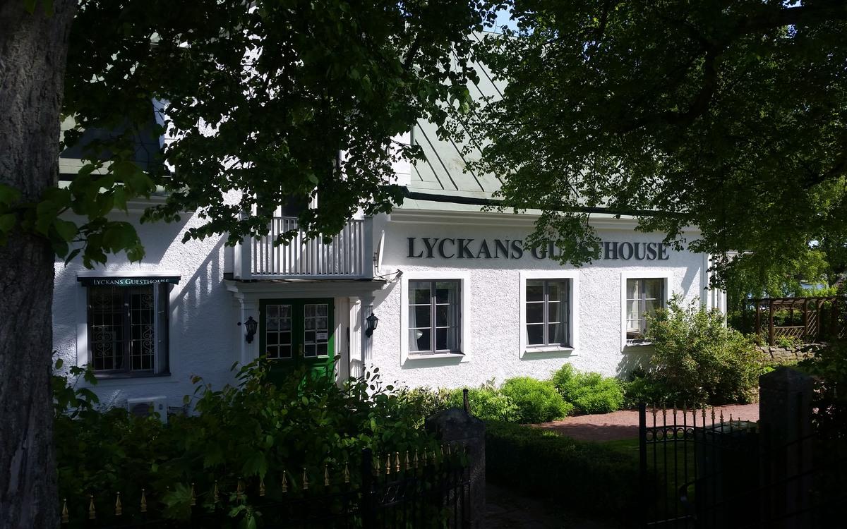 Lyckans Guesthouse i Påskallavik erbjuder bra hotellrum.
