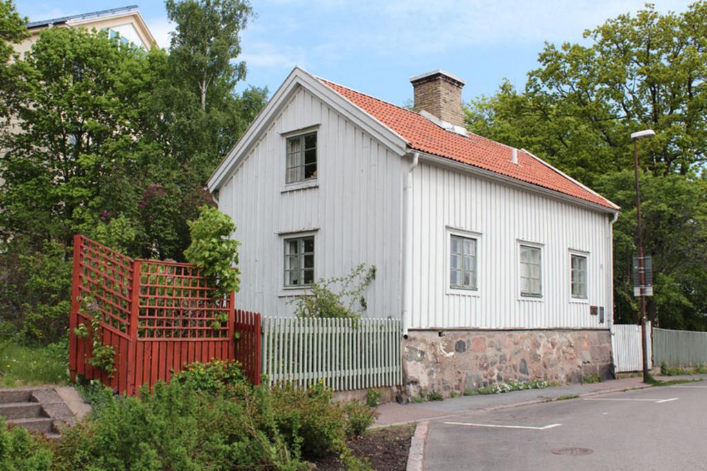 Utsidan av Döderhultarns Ateljé i Oskarshamn.