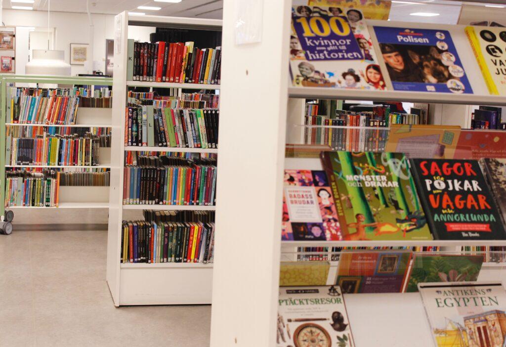 Böcker på Oskarshamns stadsbibliotek